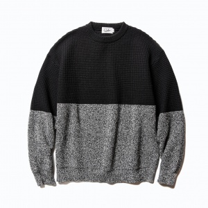 Two tone crew neck knit sweater